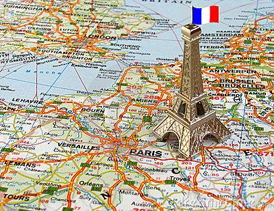 tour-eiffel-sur-la-carte-4994663