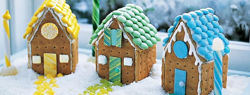 bonbon, gourmandises sucrées, sucre glace, chocolat, maison à croquer, déco gourmande, biscuit, chamallow, marshmallow, bonbon, fondant, glace royale, idée spéciales fêtes, noël, recette original