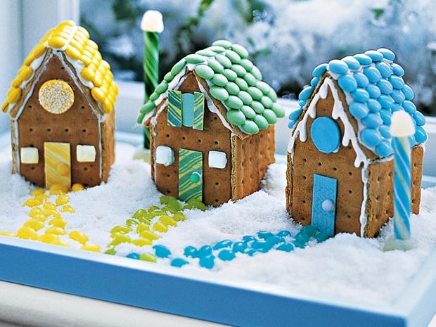 bonbon, gourmandises sucrées, sucre glace, chocolat, maison à croquer, déco gourmande, biscuit, chamallow, marshmallow, bonbon, fondant, glace royale, neige, sucette, idée spéciales fêtes, noël, recette original