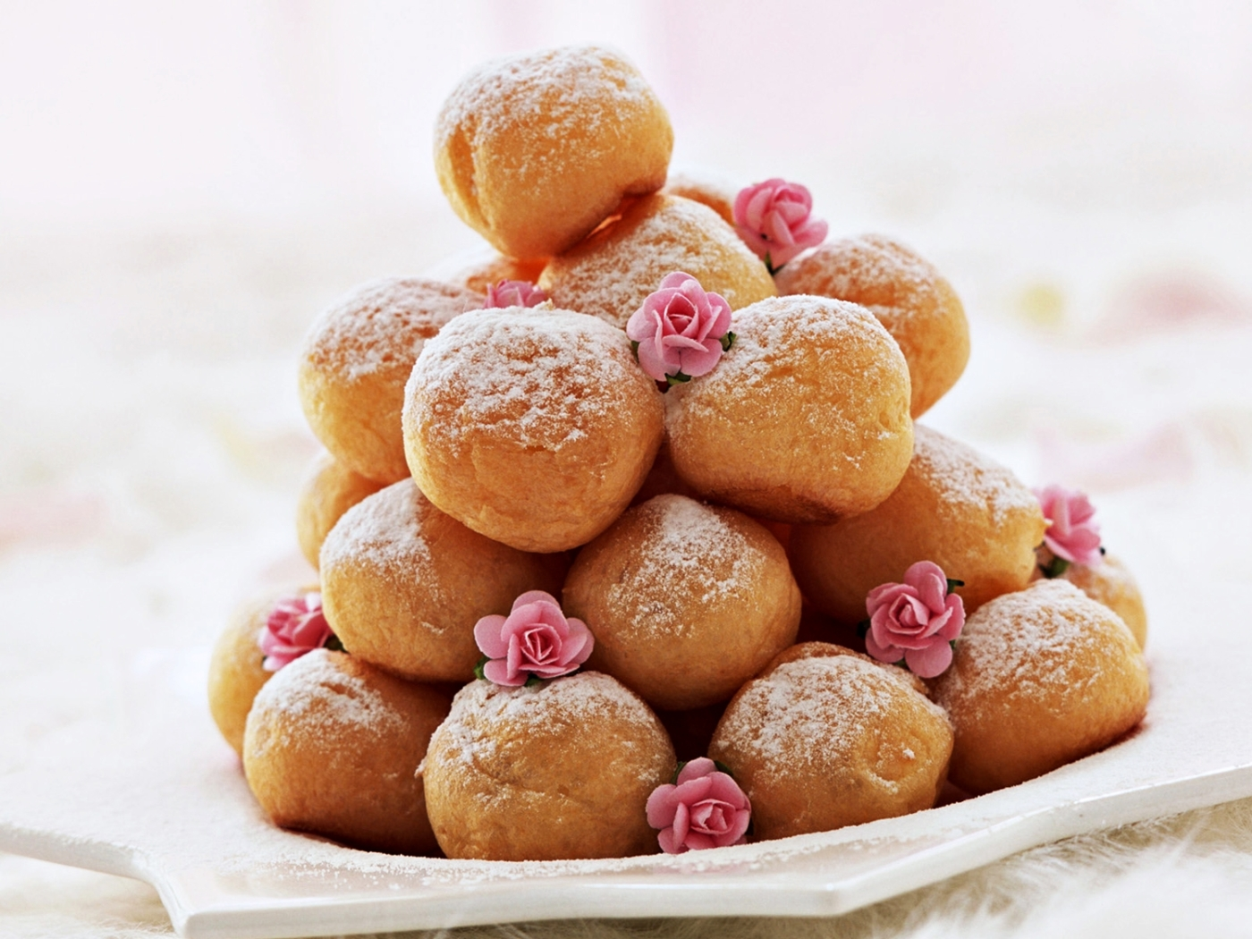 beignet, mardi gras, friture, carnaval, dessert, sucre, gourmandise, pâte briochée, beignet boule, boulange, levure