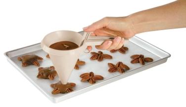 wilton, chocolat, pâte à gâteau, dessert, pratique, gourmandise, les gourman'dises de lea, lesgourmandisesdelea.com, accessoire pâtisserie