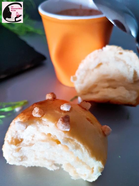 brioche, pain au lait, petit pain, viennoiserie, sucré, boulange, levure, façonnage, goûter, petit déjeuner, grains de sucre sucre grains, patisdecor, dorure, fait maison, homemade